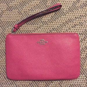 ✨SALE✨ Coach Large Pink Leather Wristlet